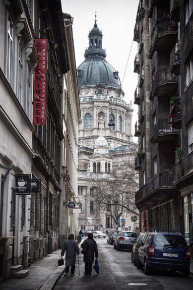 A Szent István Bazilika háta mögött