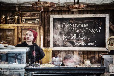 Street Food a Vörösmarty téren